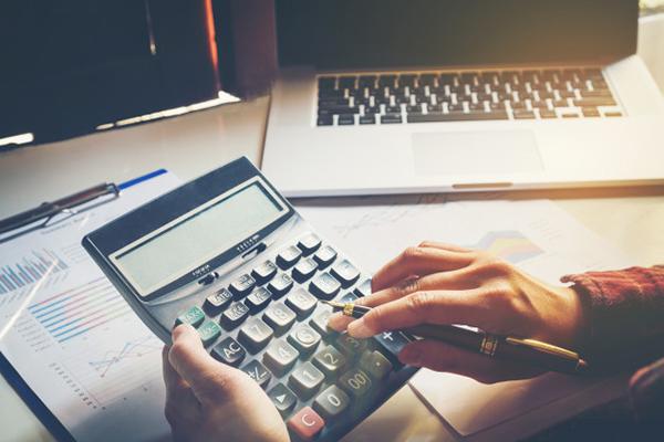 بررسی میزان هزینه در غرفه